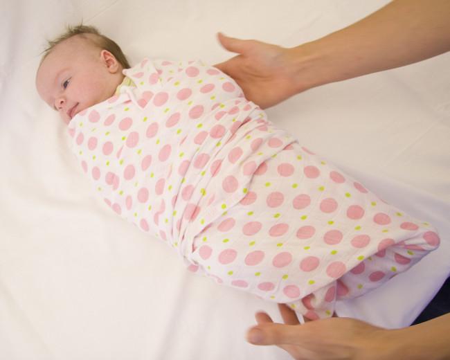عادات خاطئه تمارس المولود الجديد infant10.jpg