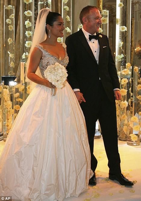 Francois Illas New Tradition: Salma Hayek And François-Henri Pinault's Wedding