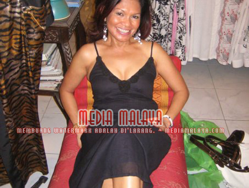 ... hot mama adakah patut kita gelarkan salamiah hassan sebagai hot granny