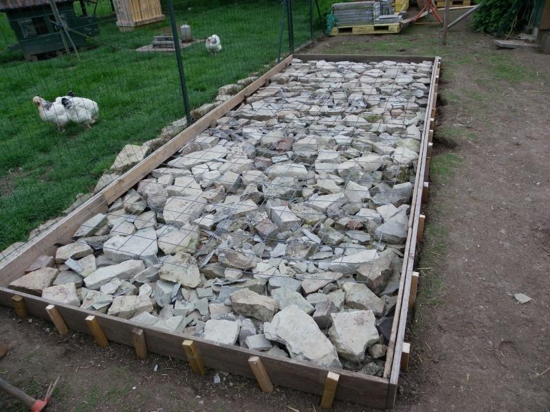 Construction de poulaillers page 2 - Couler une chape de beton ...