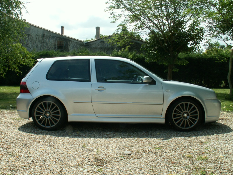 ma voiture une golf iv r32. Black Bedroom Furniture Sets. Home Design Ideas