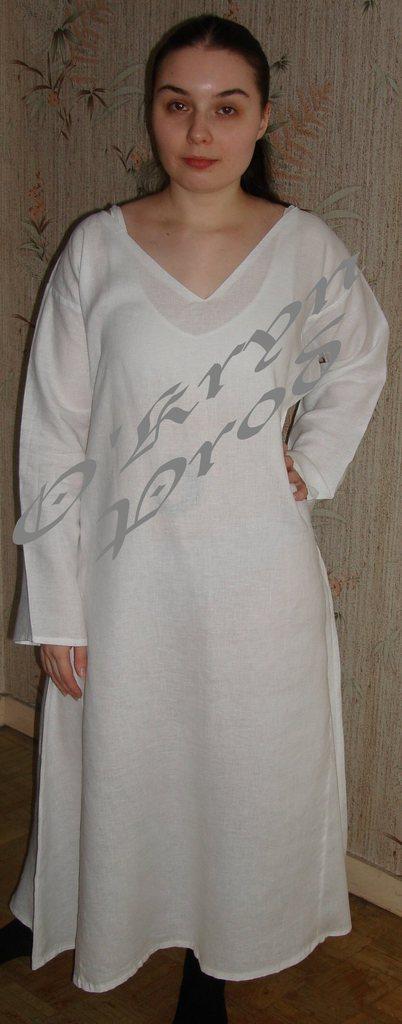 tutoriel pour coudre une chemise de corps médiévale (robe de dessous), patron historique du 13e siècle
