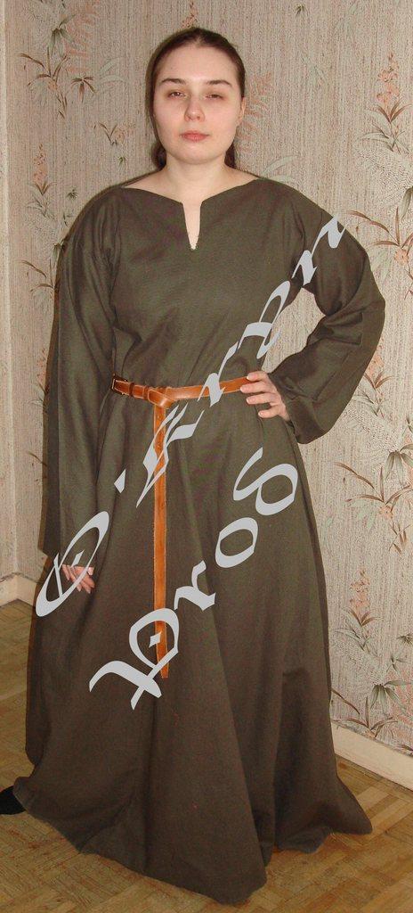 tutoriel pour coudre une robe médiévale, patron historique du 13e siècle