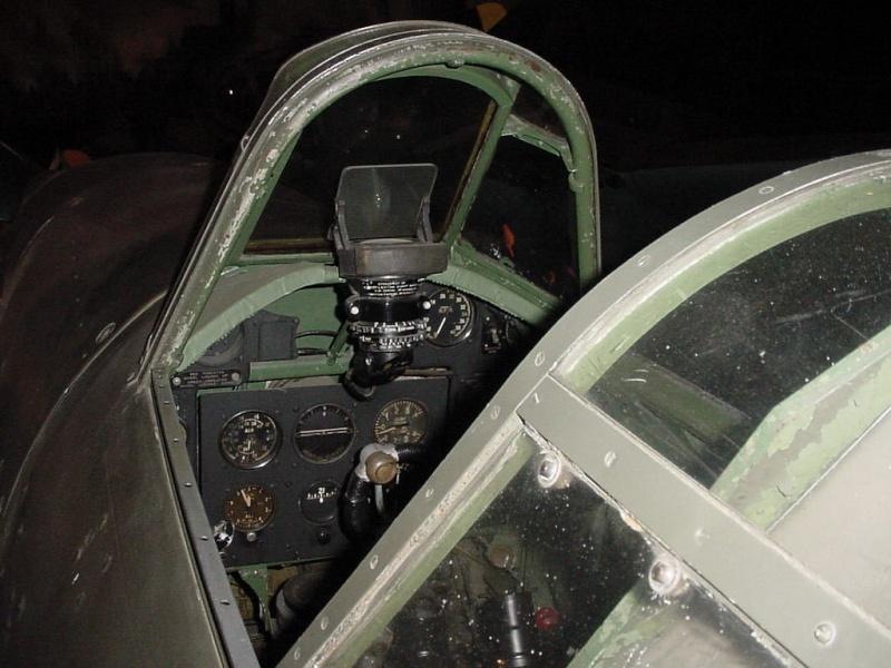 Recherche photos interieur cockpit p51 for Recherche decorateur interieur