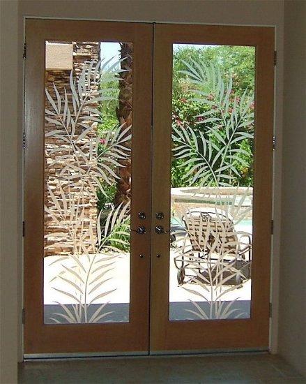 فن الرسم على زجاج النوافذ والأبواب 3