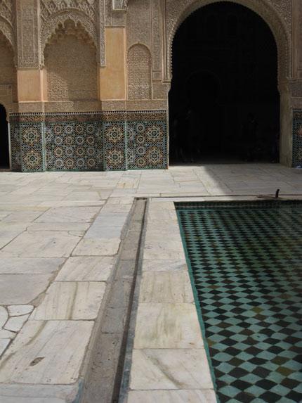 الفن المغربى وروعة النحت على الجبس meders10.jpg